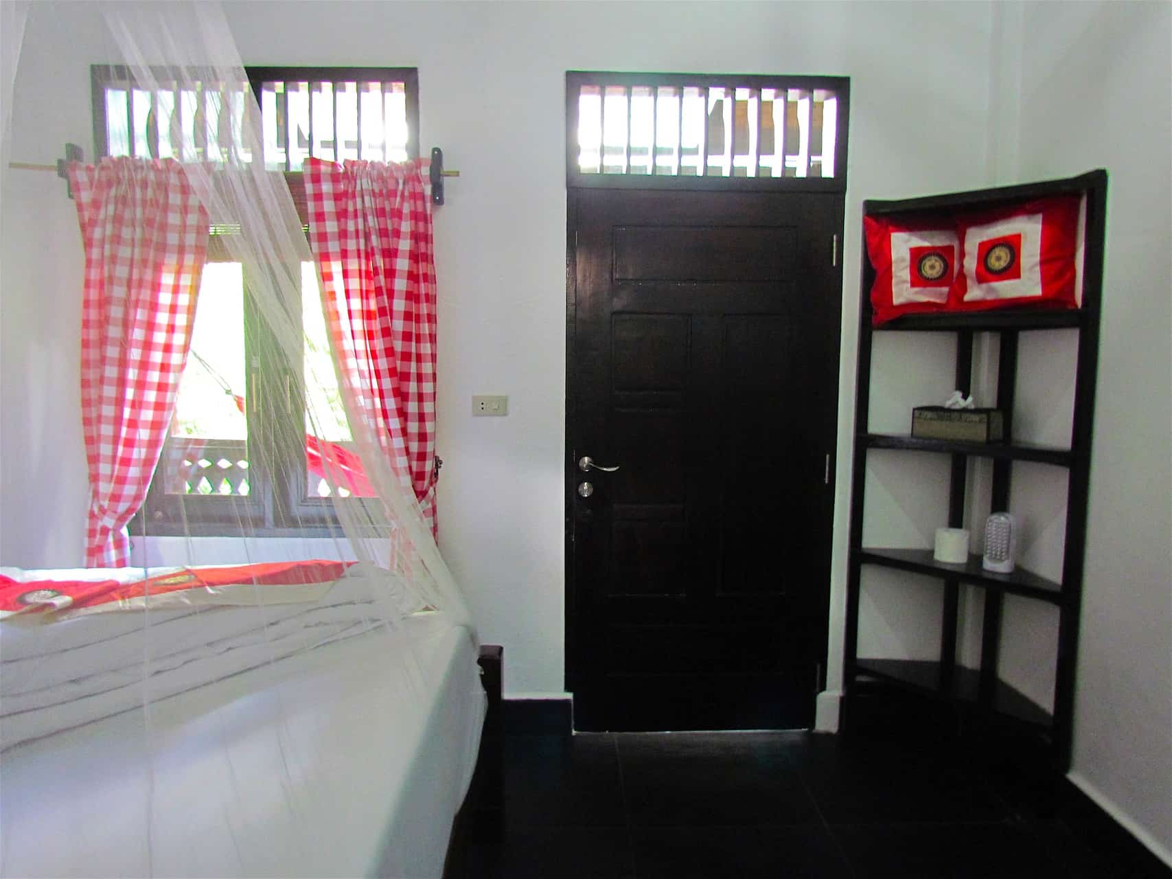 BUDGET ROOM IN BUKIT LAWANG - BATAK ROOM AT ECOTRAVEL COTTAGES - SUMATRA ECOTRAVEL