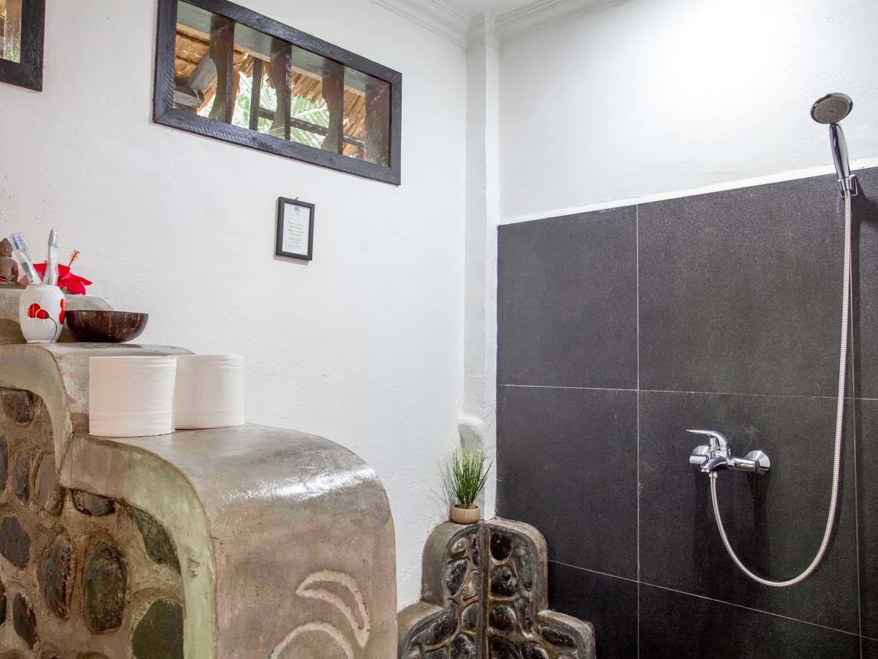BATHROOM JUNGLE VIEW ROOM AT ECOTRAVEL COTTAGES BUKIT LAWANG - SUMATRA ECOTRAVEL