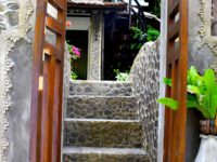 STAIRS TO THE GARDEN AT ECOTRAVEL COTTAGES BUKIT LAWANG - SUMATRA ECOTRAVEL