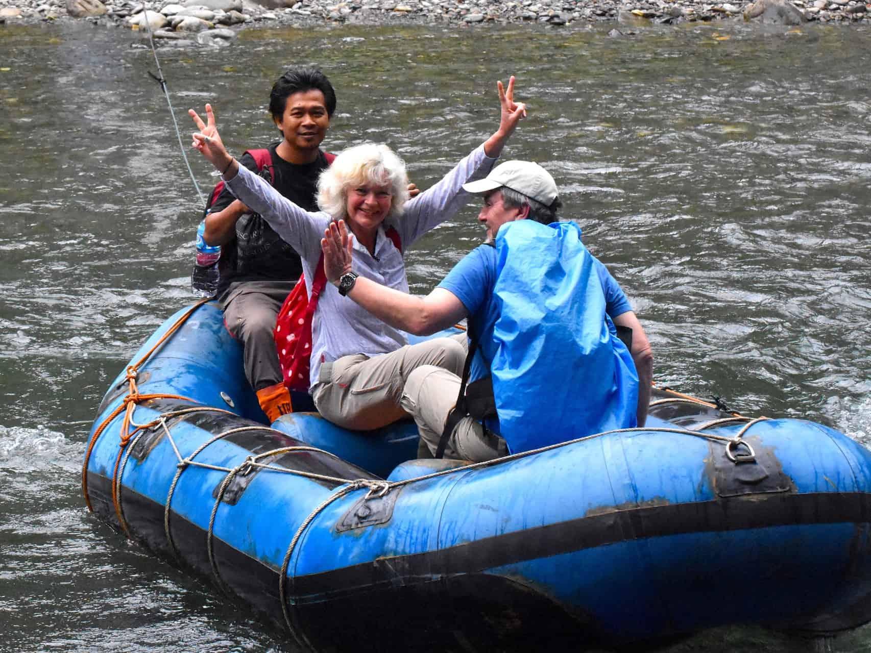RIVER CROSSING - SUMATRA ECOTRAVEL