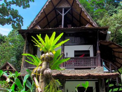 BALCONY OF JUNGLE VIEW SUITE AT ECOTRAVEL COTTAGES BUKIT LAWANG - SUMATRA ECOTRAVEL