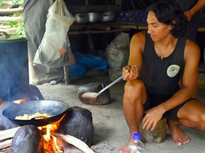 JUNGLE KITCHEN - JUNGLE TREKKING - SUMATRA ECOTRAVEL - BUKIT LAWANG